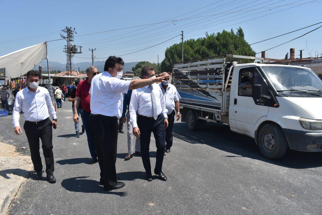 Balıkesir Büyükşehir Belediye Başkanımız Yücel Yılmaz, ilçemizde devam eden asfalt çalışmaları yerinde inceledi 3